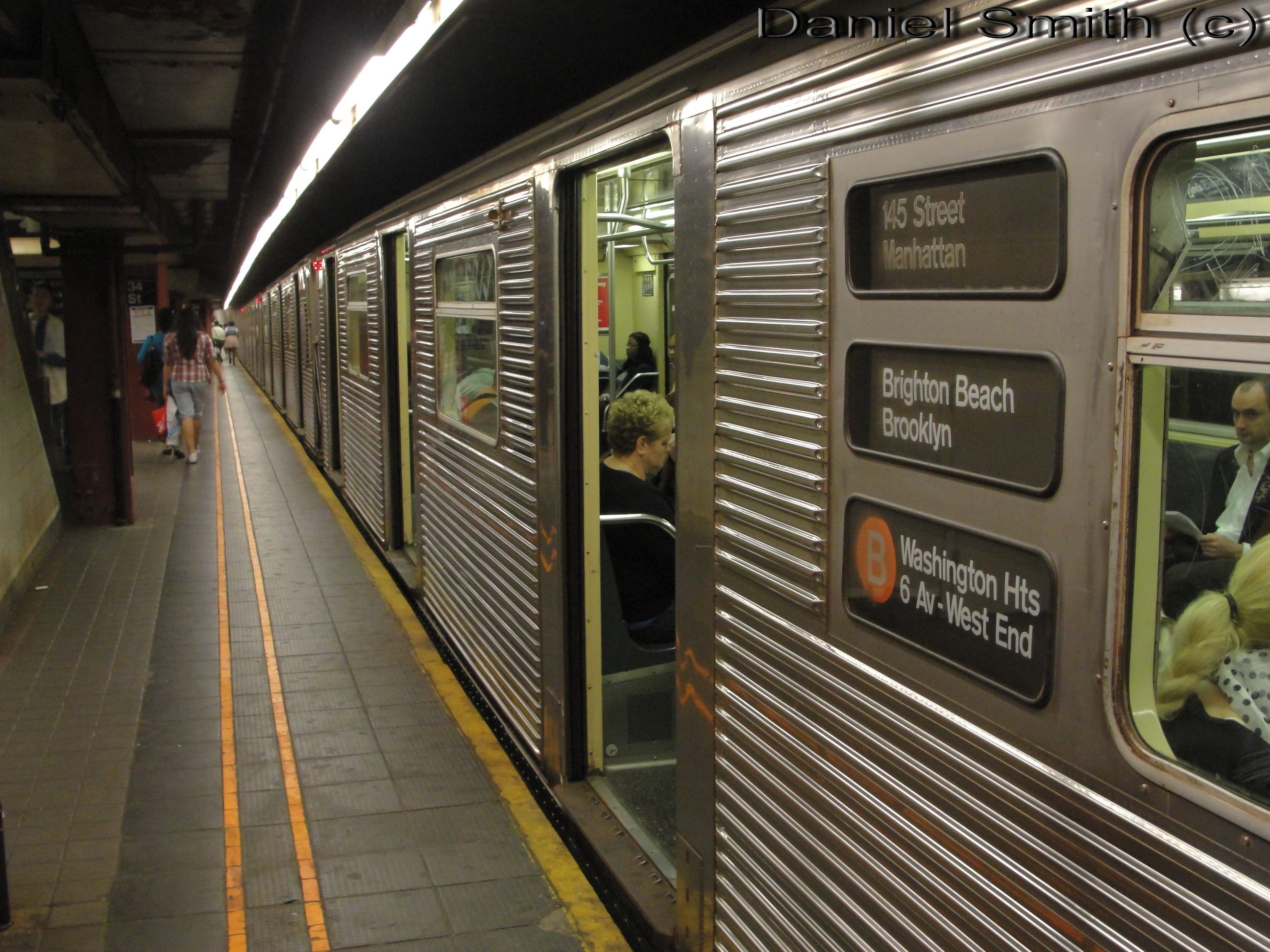 the b train review daniel the cool nyc website. Black Bedroom Furniture Sets. Home Design Ideas