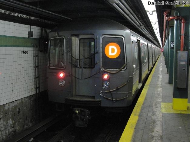 R68A (D) Train - 205th Street
