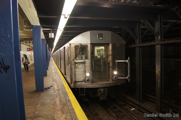 R32 C Train - 72nd Street