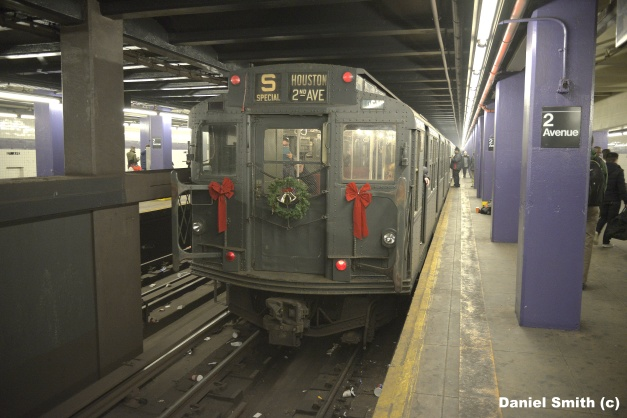 Vintage Train - 2nd Avenue