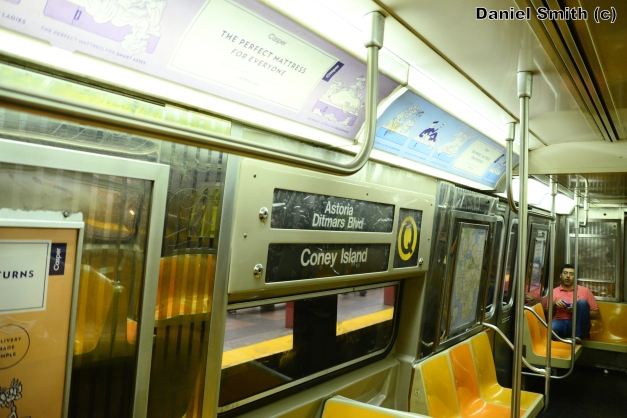 R68 (Q) Train Rollsign