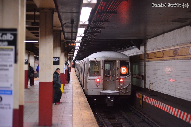 R68 D Train At Dekalb Avenue