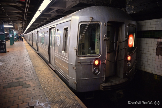 R68 (D) Train - West 125th Street