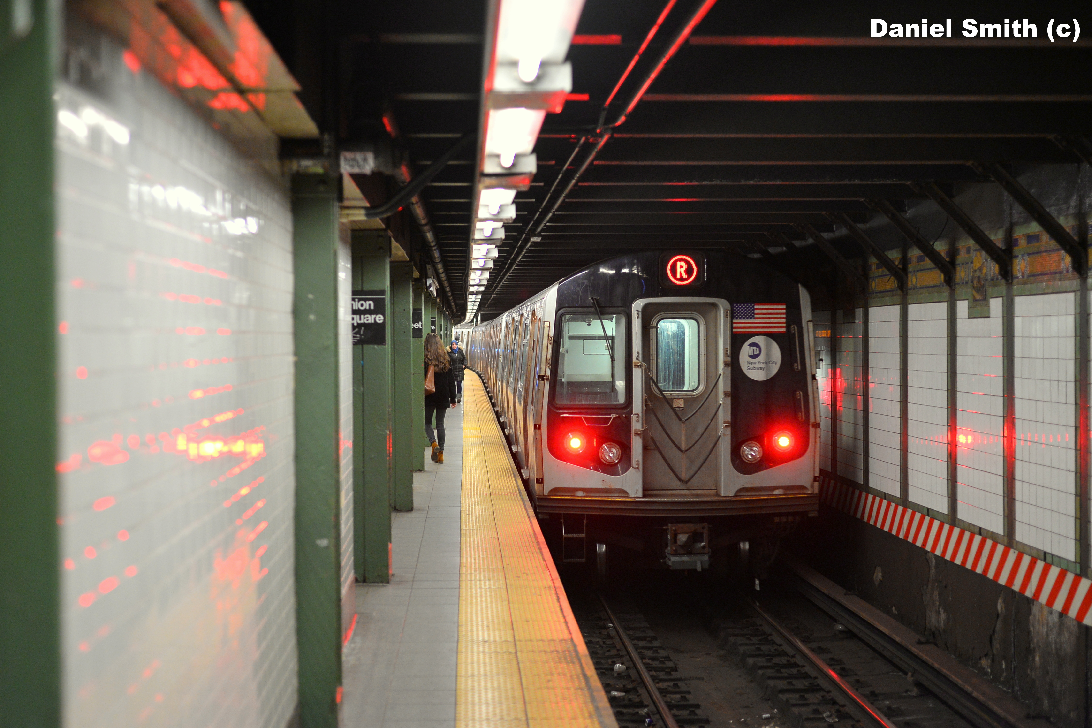 R160 R Train Leaves 14th Street-Union Square   Daniel The