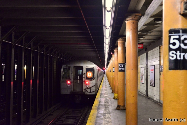 R68 D Train Leaves 53rd Street