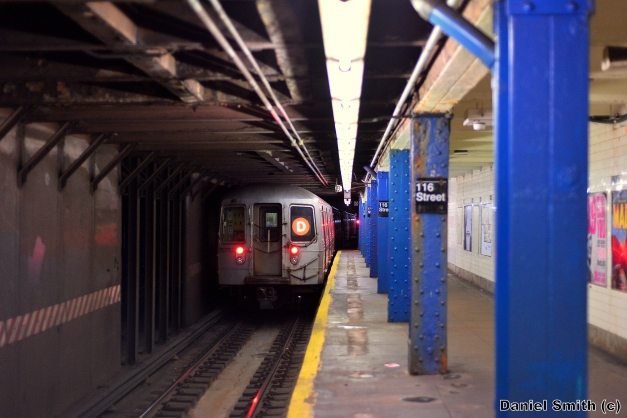 R68 (D) Train Leaves West 116th Street
