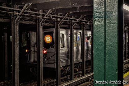 R68 B Train at 135th Street Layup